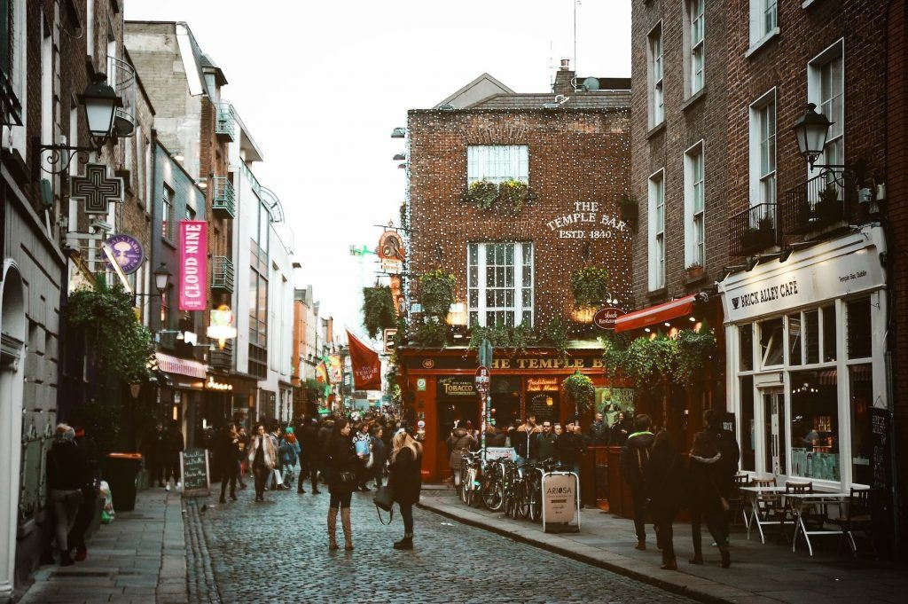 travel tips and history facts about Dublin and temple bar