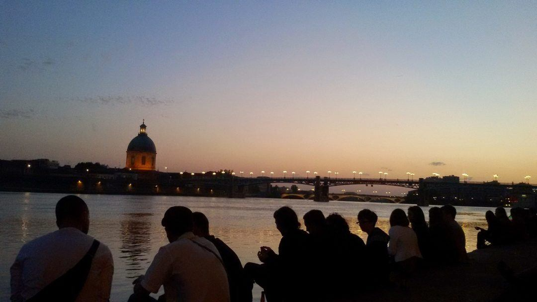 picnic at la Daurade Toulouse summer night