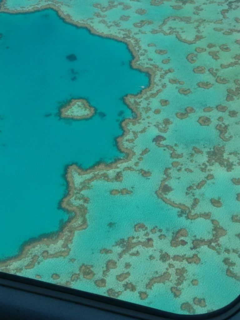great barrier reef heart australia