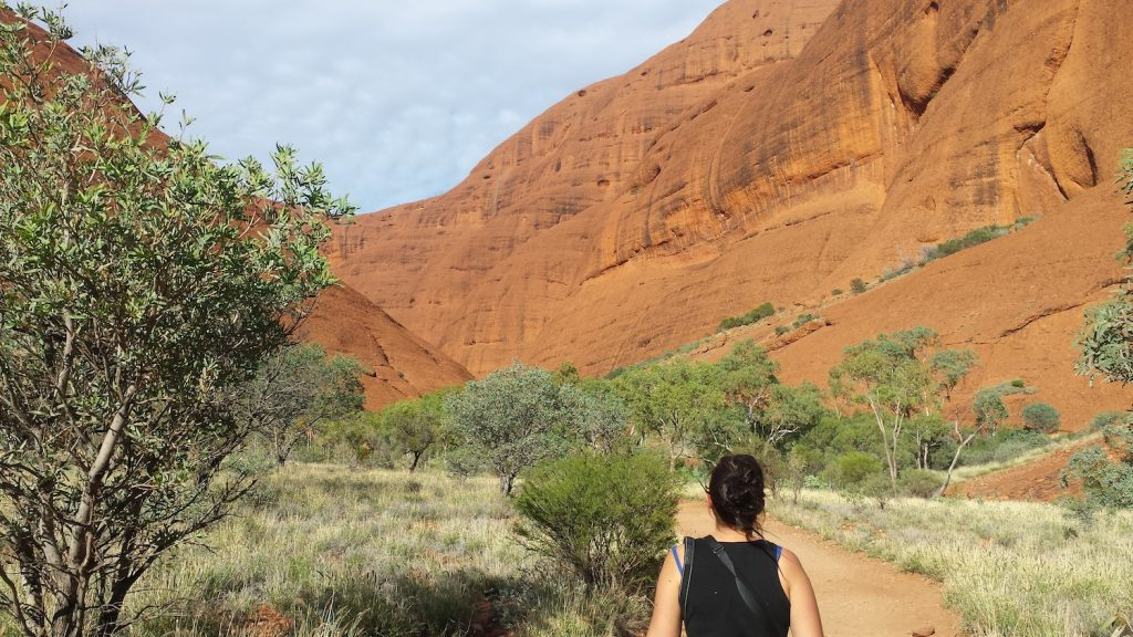 hiking in kata tjuta