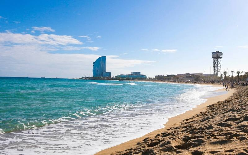 things to do in barcelona beach