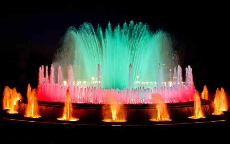 montjuic fountains in barcelona