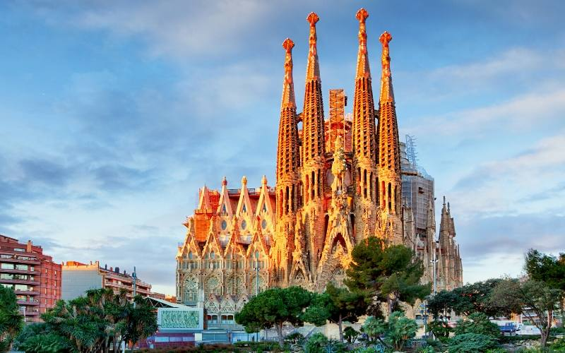 sagrada familia eixample barcelona