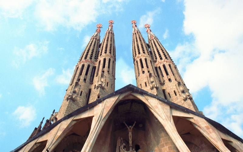 things to do barcelona sagrada familia