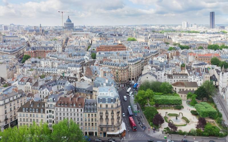 walk in the latin quarter in paris