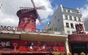 moulin rouge in paris