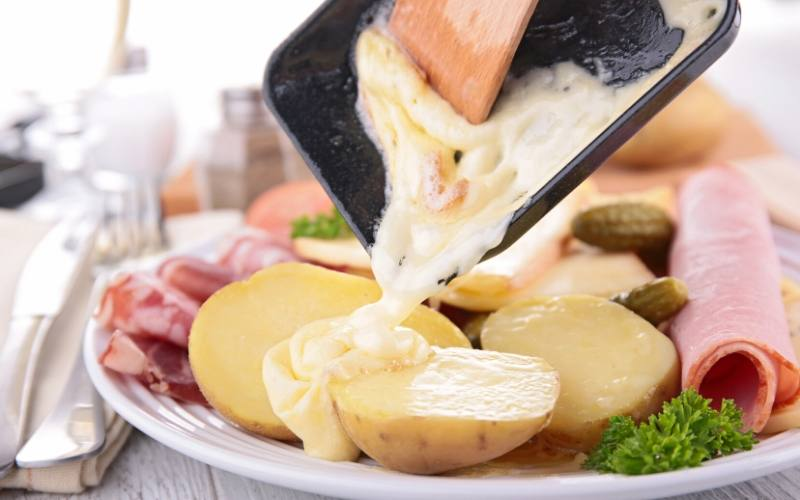 raclette french food