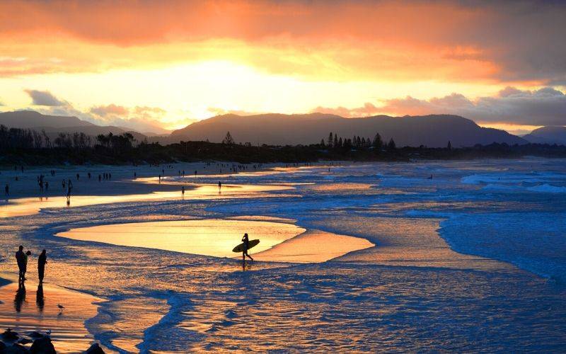 surfing in byron bay australia