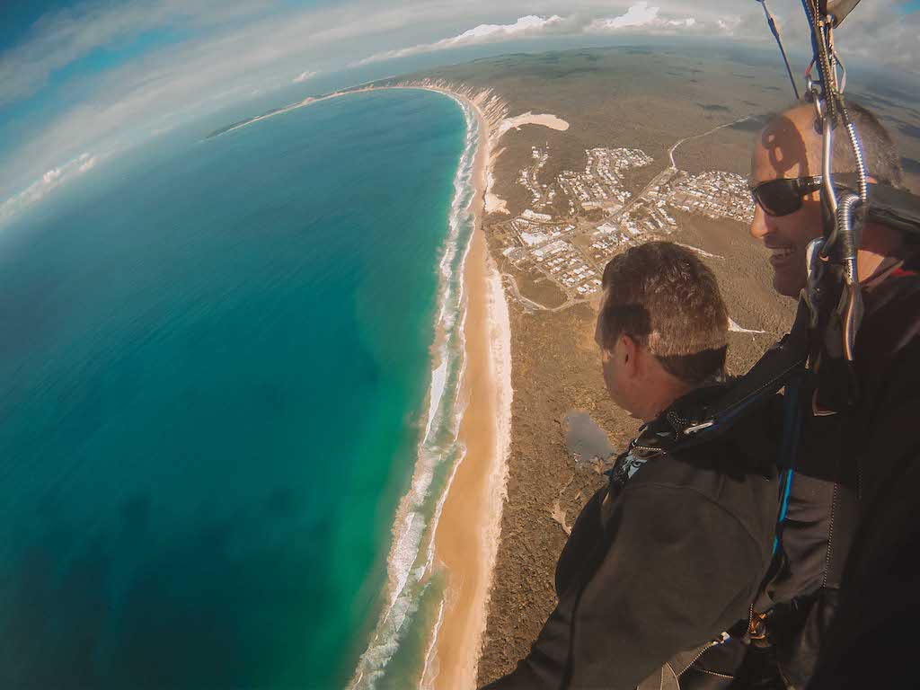 skydiving in rainbow beach