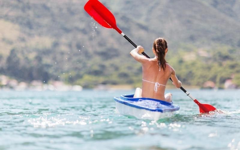 kayaking in airlie beach