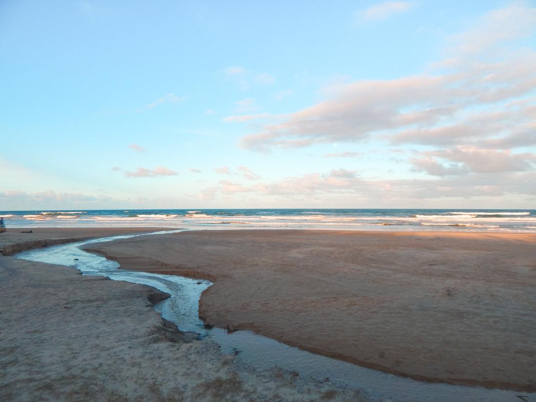 75 mile beach on fraser island queensland