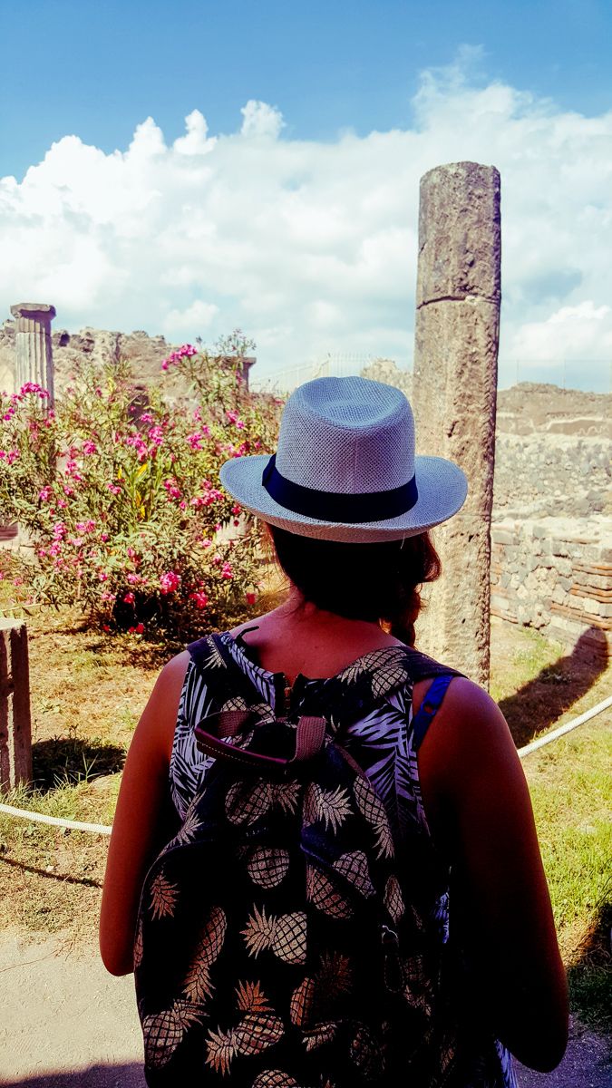 what to wear for pompeii italy