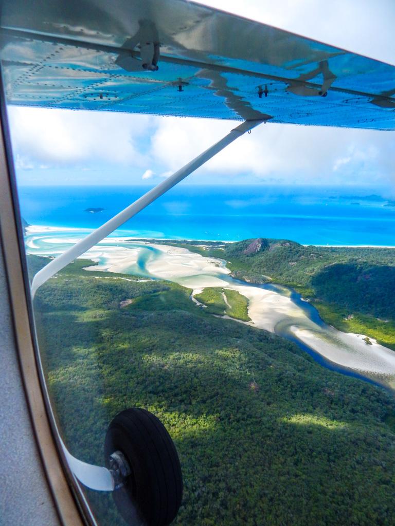 Scenic flight whitsundays from Airlie beach