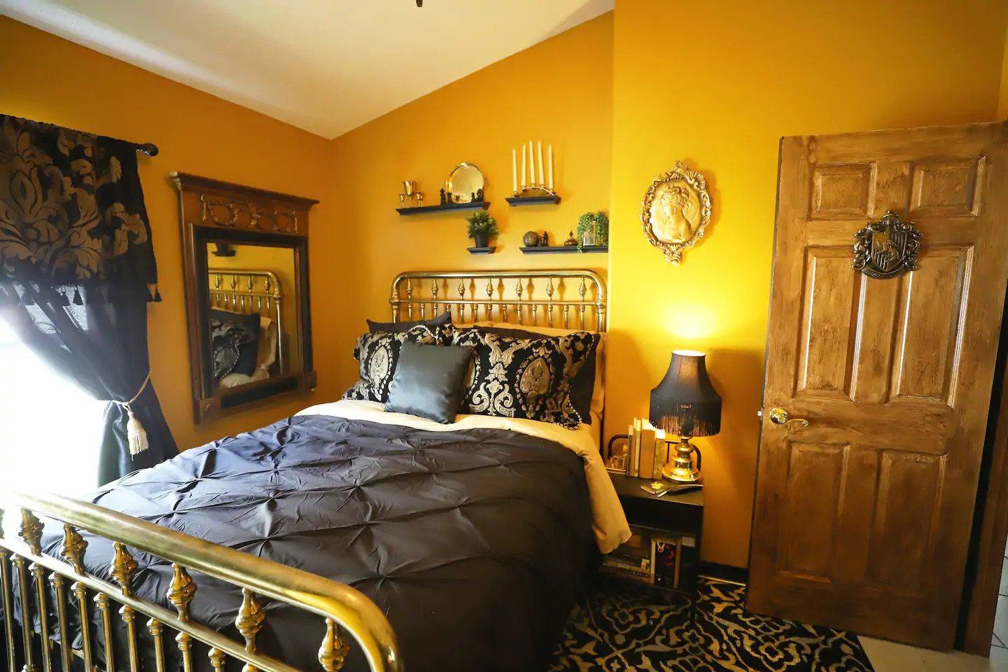 Hufflepuff Harry Potter Airbnb Orlando